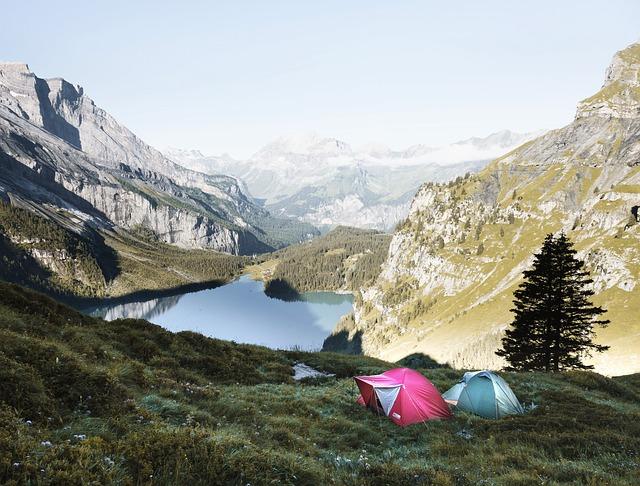 camping lake photo
